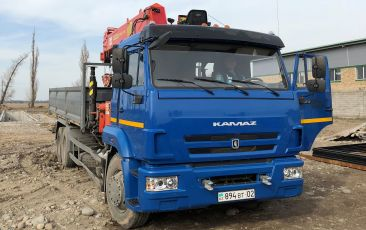 KAMAZ 670766-22 truck with manipulator (load carrying ability 6 tons for manipulator and 10 tons for truck)