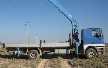 Mercedes 2 Axle Rigid truck with manipulator (load carrying ability 6 tons for manipulator and 3,5 tons for truck)